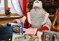 Дед-Мороз-готовит-подарки-1280x960