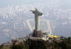 Christ-the-Redeemer-side-view